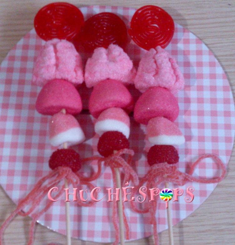 Brochetas de chuches  rosa y rojo