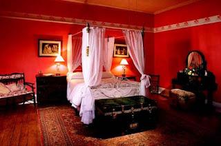 habitación color rojo