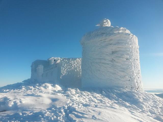 Фотографії карпатської обсерваторії «Білий слон»