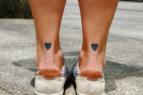 ayak bileği siyah kalp dövmesi ankle black heart tattoo