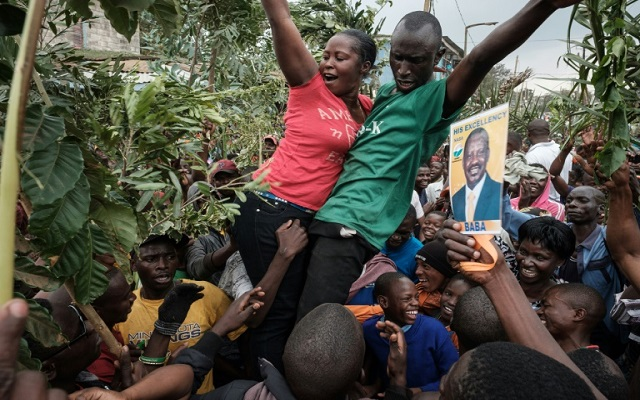 Jubilant crowds dub Kenya's top judge 'an African hero'