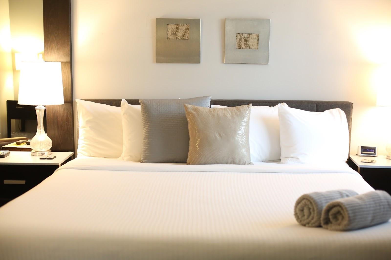 avanti hotel palm springs