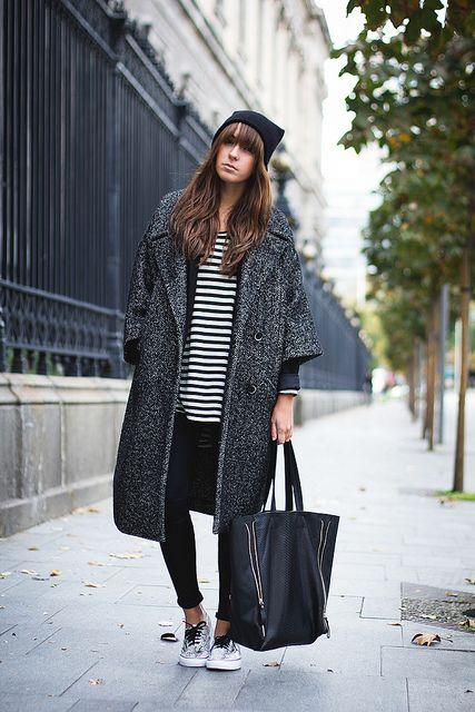 Cool pregnancy style - oversized winter coat