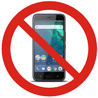 HTC U11 Life mit überlagertem Verbotsschild