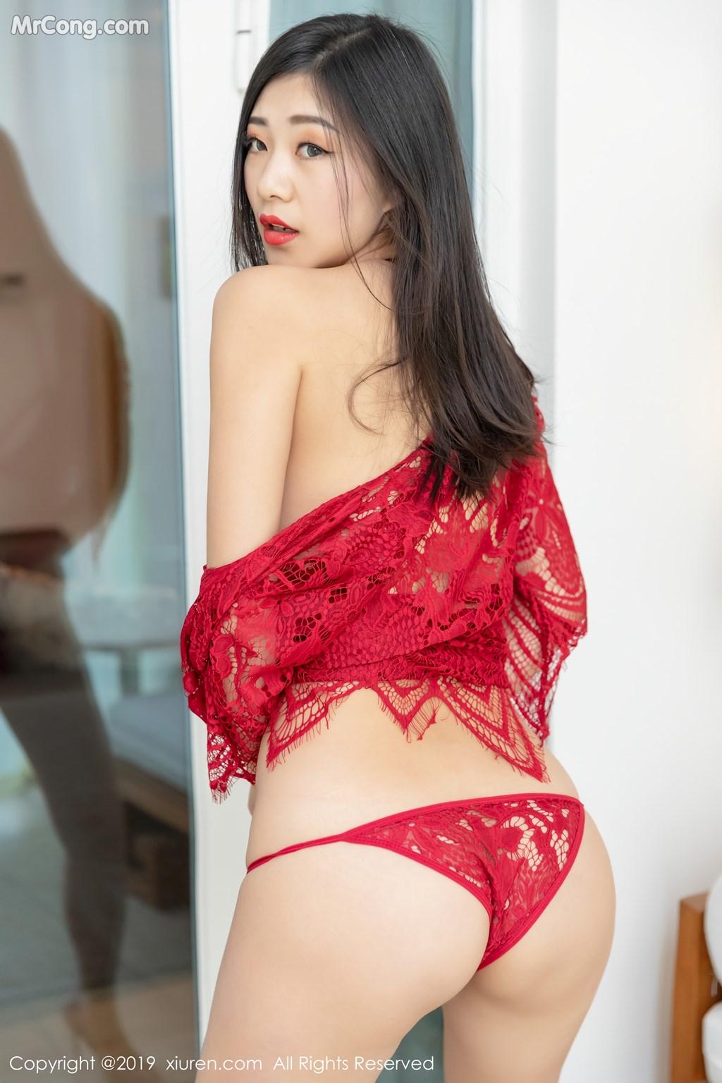 Image XIUREN-No.1327-KiKi-MrCong.com-031 in post XIUREN No.1327: 宋-KiKi (44 ảnh)