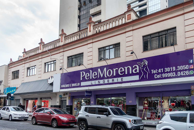 Prédio com lojas na Travessa Jesuíno Marcondes