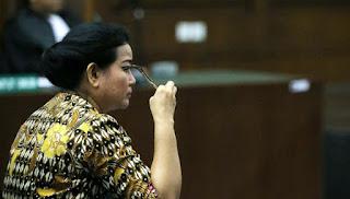 Miryam Divonis 8 Tahun Penjara