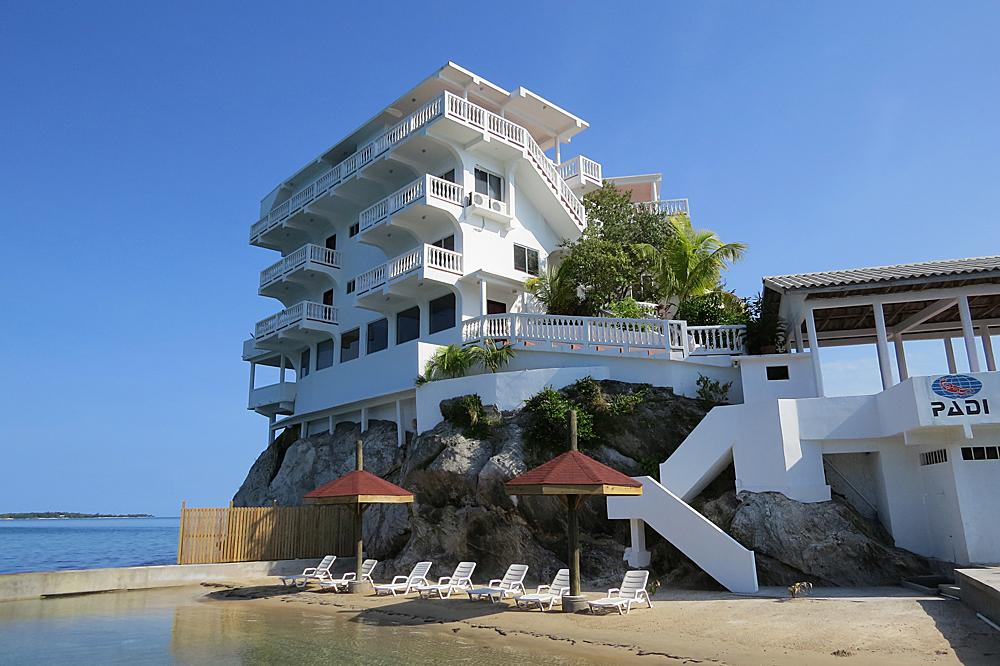 Luxury Villa Hotel At Dunbar Rock Central America