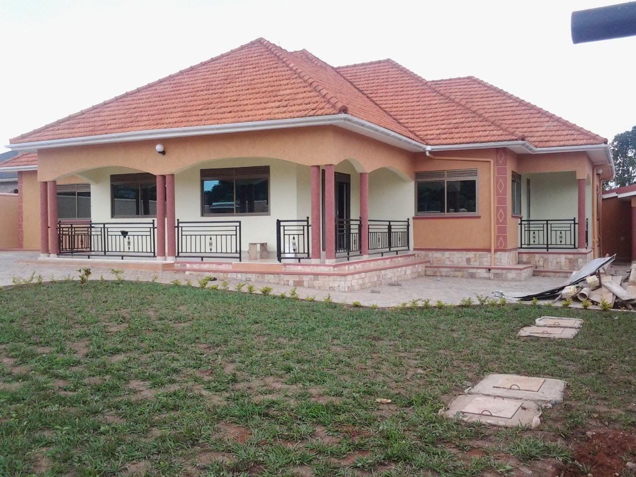 House for sale newly built on 25 decimals price ugx 500m