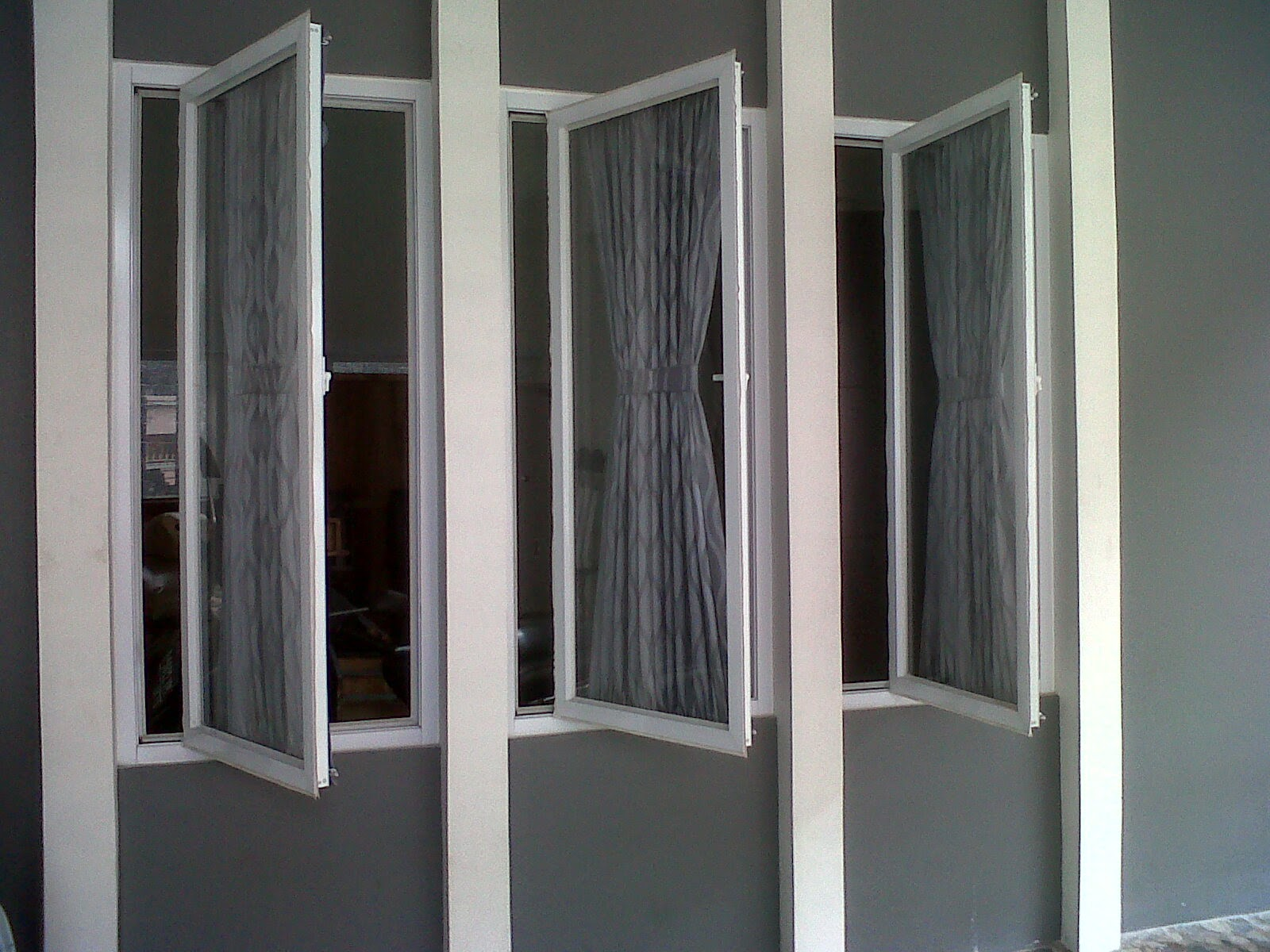 Kaca Tempered Dan Laminated: Jendela Alumunium Casement