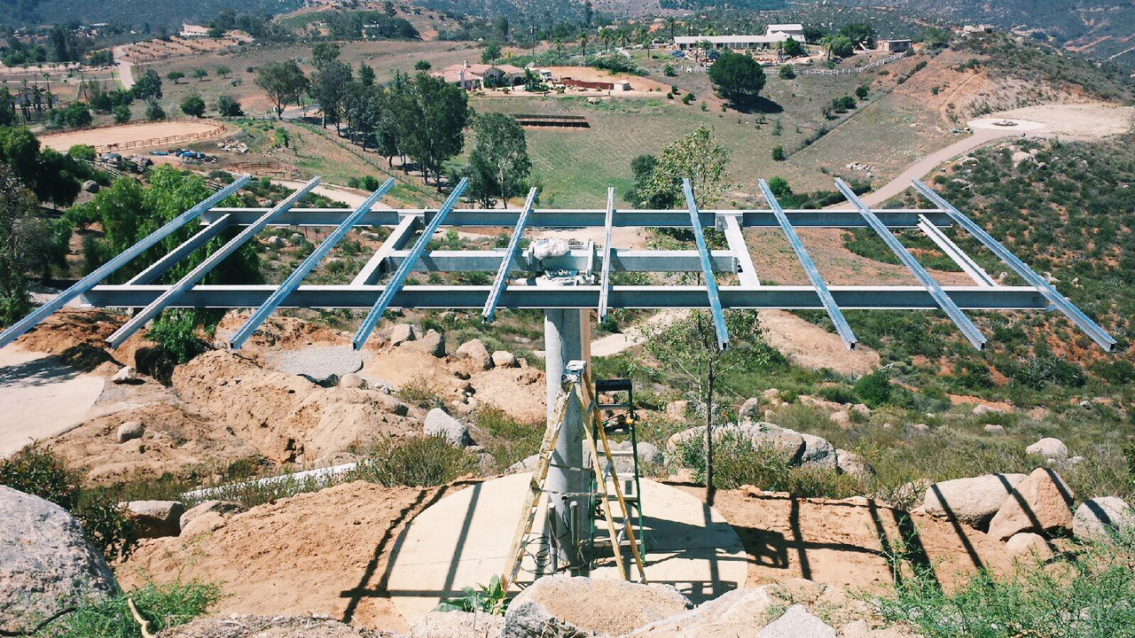 CASA ÁGUILA: Dual-Axis Solar Tracker Installation
