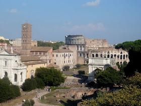 Centro storico di Roma con vista colosseo