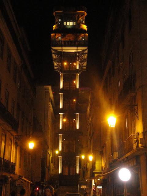 Elevador Santa Justa à noite - Lisboa - Portugal