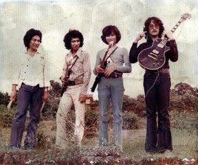 Group Musik Indonesia Papan Atas Era 70-80 an - MohPahPoh 9564463f7f