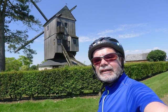 Tour de la Beauce en vélo couché  Moulin de la Garenne à Ymonville