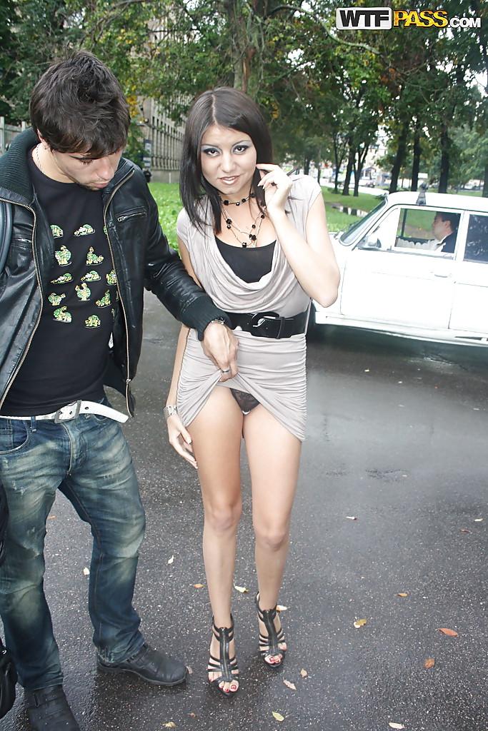russkie-pikaperi-na-ulitsah-rossii-seks-porno-foto-negri
