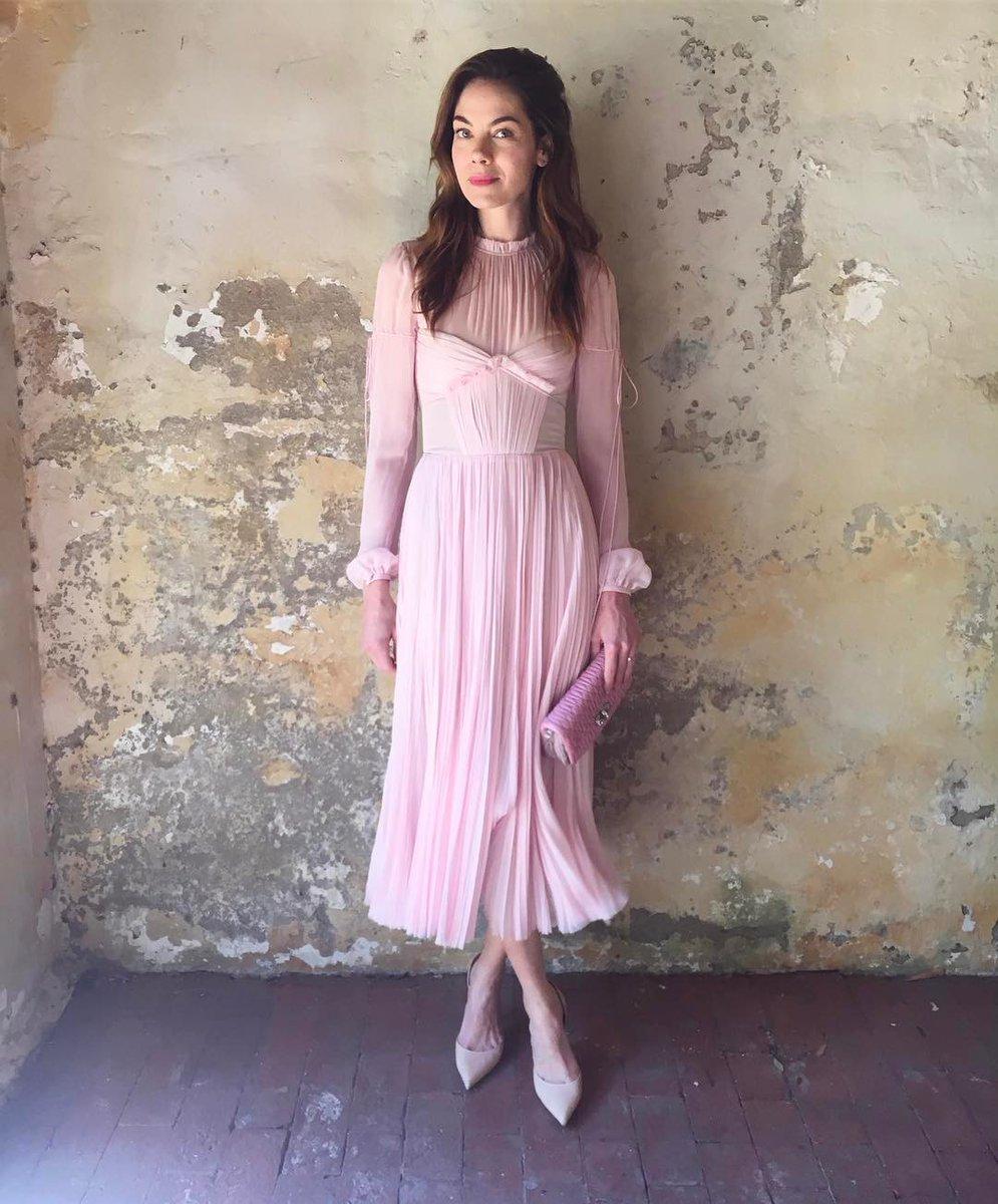 abril 2017 - Dos mujeres y un vestido