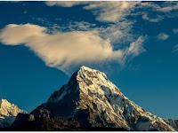 7 Tips Jitu Mengatasi Kedinginan Saat Berada di Gunung