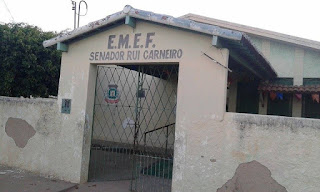 Bandidos invadem escola durante madrugada e fogem levando R$ 70 em Nova Floresta