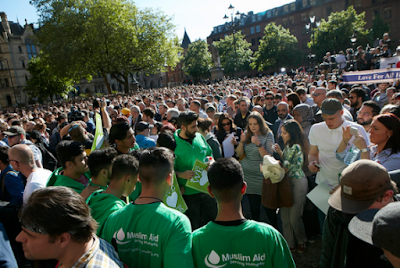 2ab - Photos from the vigil held in honour of those who died during the Manchester attack