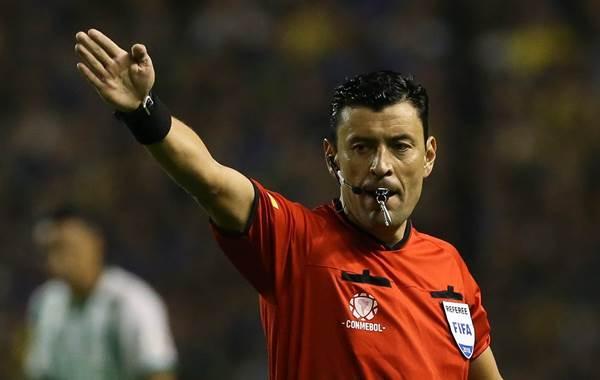 O primeiro jogo vai ser realizado com mando da equipe do Boca Juniors. O jogo de volta terá o River Plate como mandante.