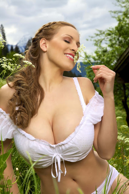 Jordan-Carver-No-Sin-On-The-Alp-photoshoot-picture-no.-22