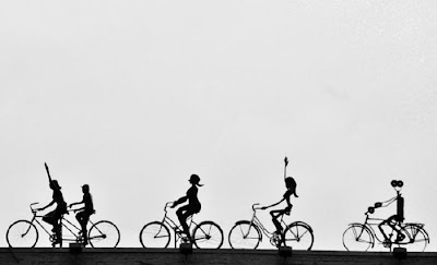 Esculturas y arte  con muchas bicicletas