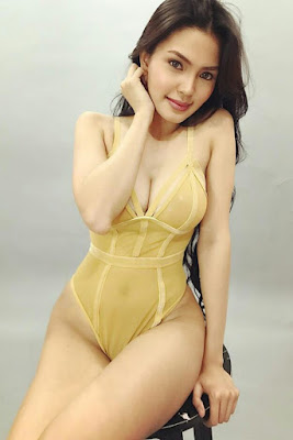 Hot and sexy photos of beautiful busty pinay hottie chick freelance model Ann Miranda photo highlights on Pinays Finest Sexy Photo Collection site.