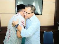 Bupati Anas Sarapan Pecel Rawon Bersama Guru Semasa Jadi Siswa Madrasah Ibtidaiyah