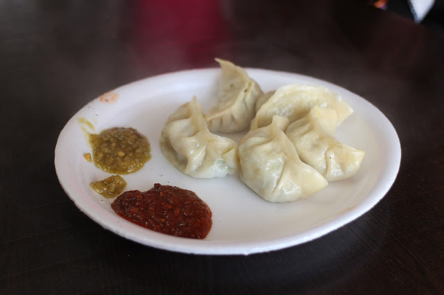 Dalhousie, Himachal Pradesh, Himalayas, India, Travel, Travelogue, snow fall, snow fall in Dalhousie, winter, Dalhousie in Winter, Dalhousie in March, Momos, Veg Momos, Vegetarian Momos, Momos with Chutney, Vegetarian Momos with Chutney