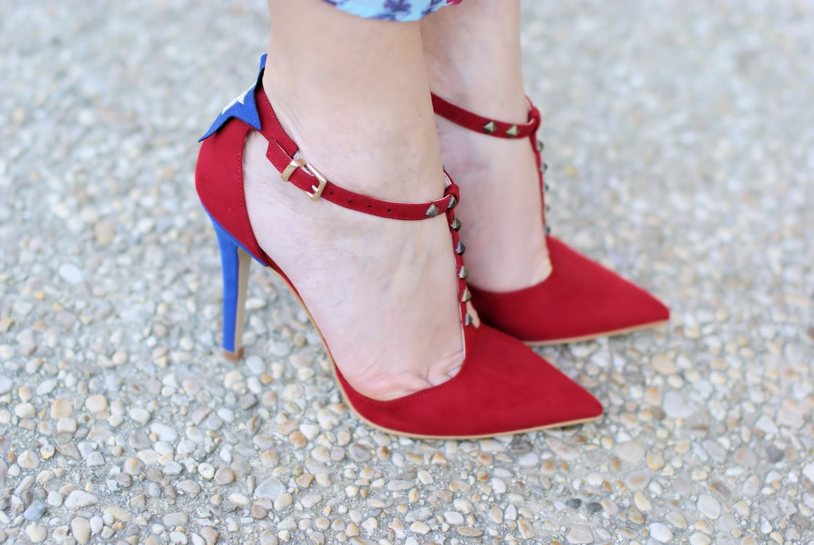 #SuperGirl pumps designed by Angela Pavese on Fashion and Cookies fashion blog, fashion blogger