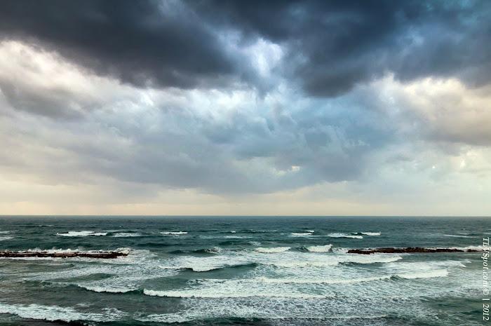 Tel Aviv Sunset Storm 004a Hilton Beach: The Storming Sea Tel Aviv Photos Art Images Pictures TLVSpot.com