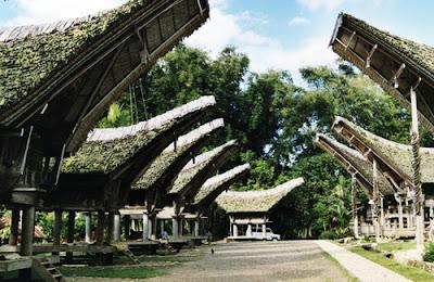 Kete Kesu charm Toraja land