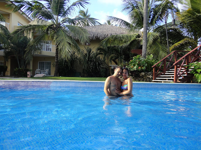 Nós na piscina do hotel Dreams Punta Cana