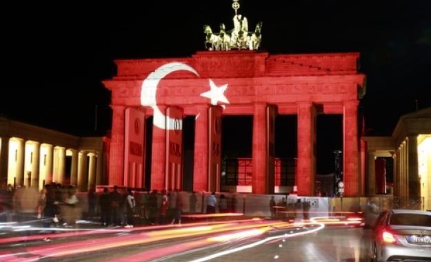 Βερολίνο: Εκτός συνταγματικών ορίων η δράση των τουρκικών μυστικών υπηρεσιών στη Γερμανία