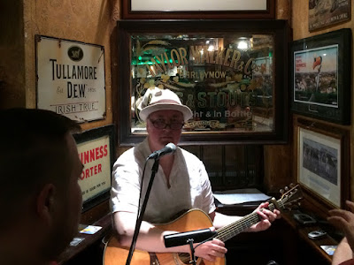 Live Music at the Doheny & Nesbitt, Dublin, Ireland