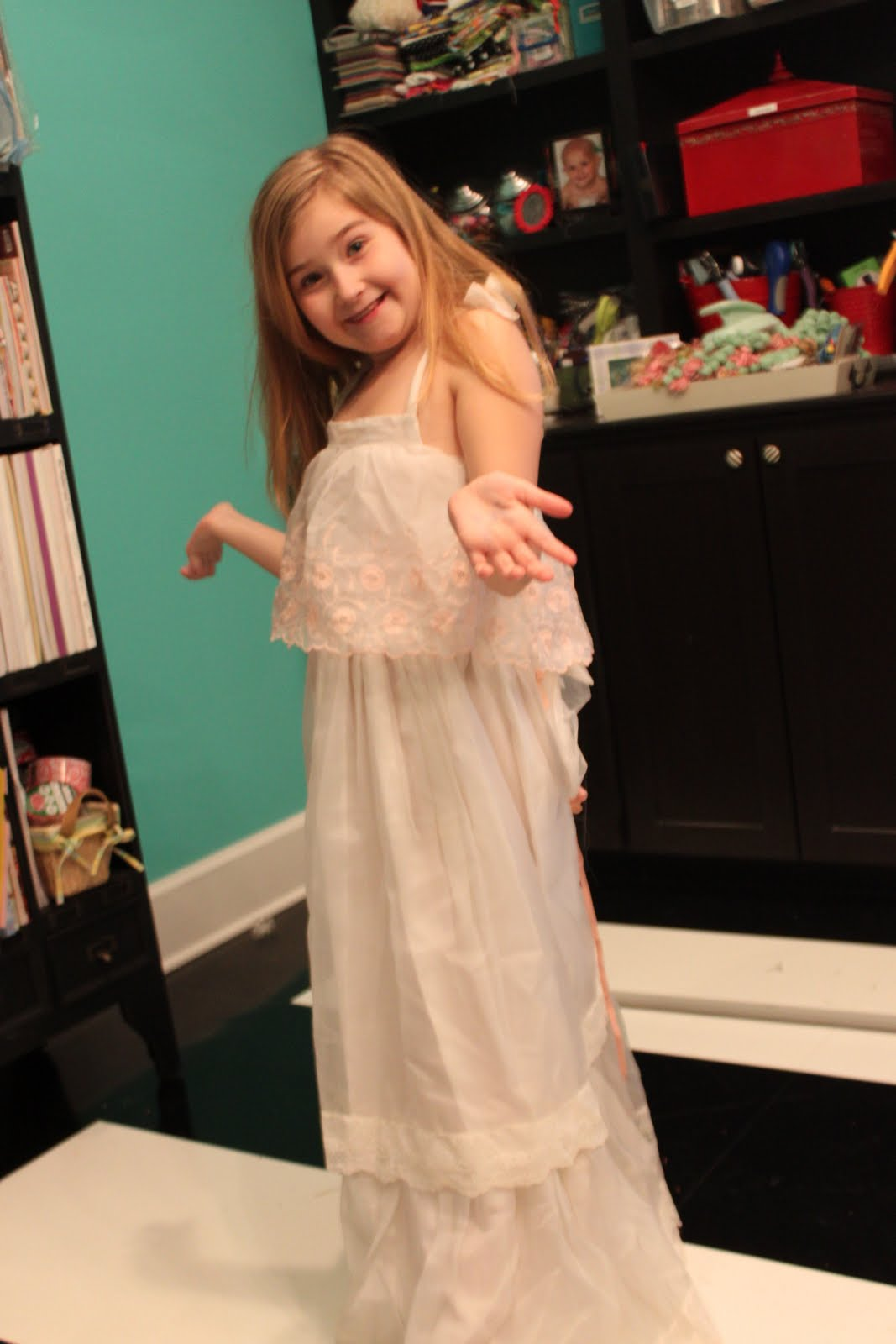 Mojoy: Playing dress up with the big girls!