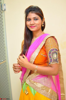 Lucky Sree in dasling Pink Saree and Orange Choli DSC 0368 1600x1063.JPG