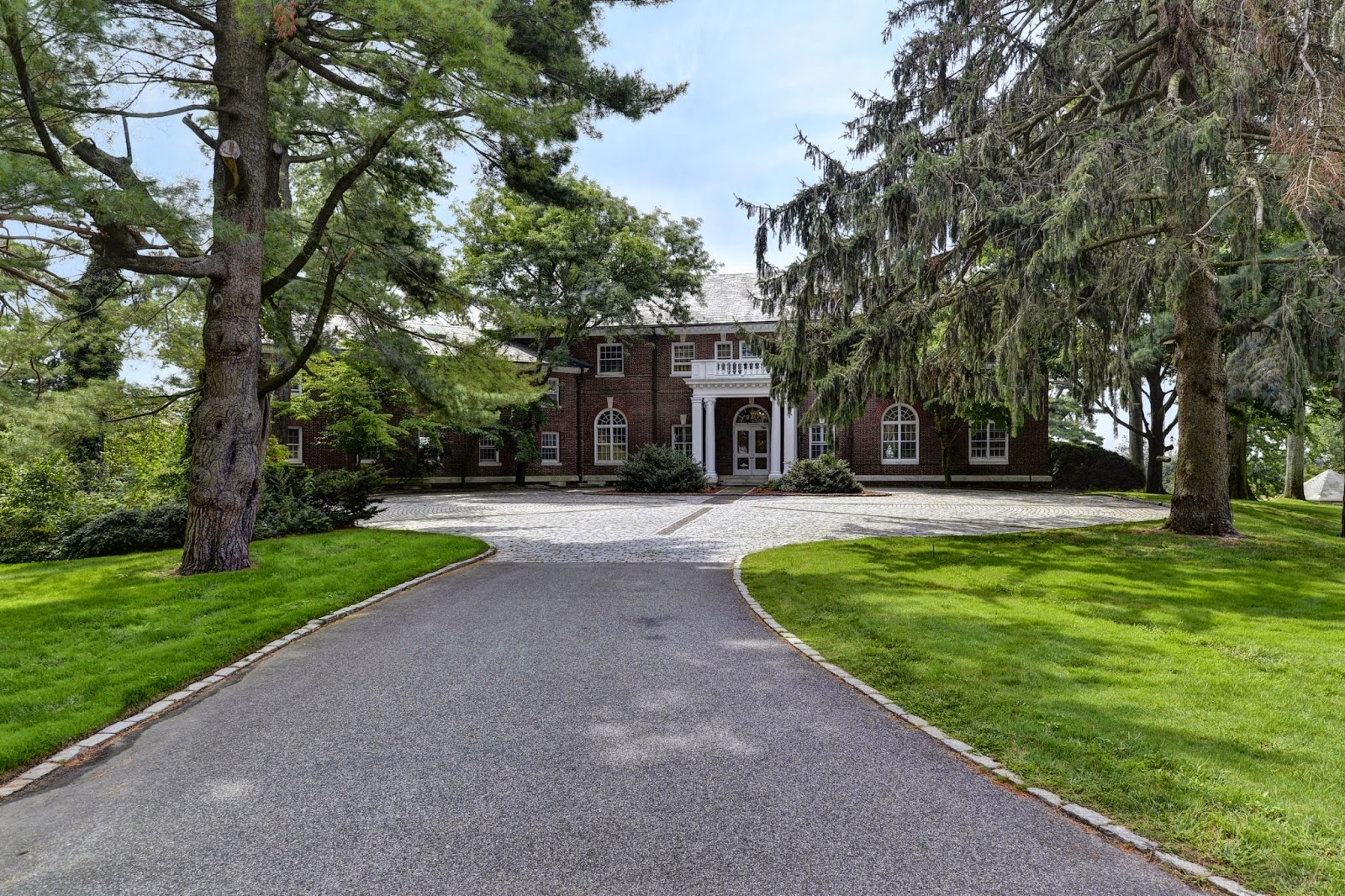 Kirby hill estate mega mansion mega mansion luxury on for Super mega mansions