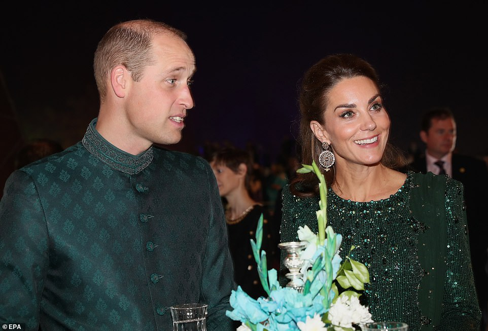 William and Kate Attend Lavish Dinner in Pakistan
