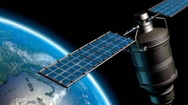 Satelit Telkom.