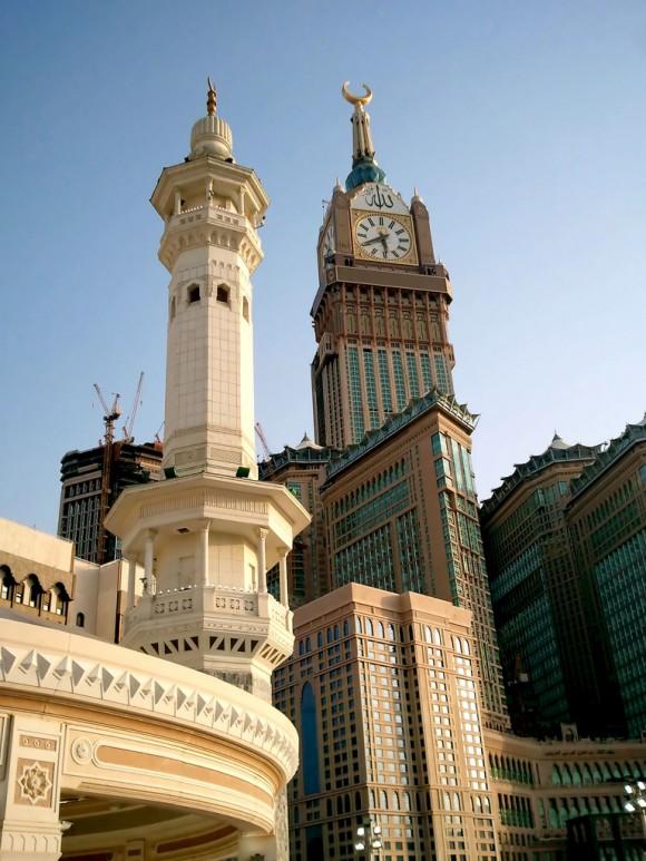 برج ساعة الحرم المكي: ثاني أطول برج في العالم.