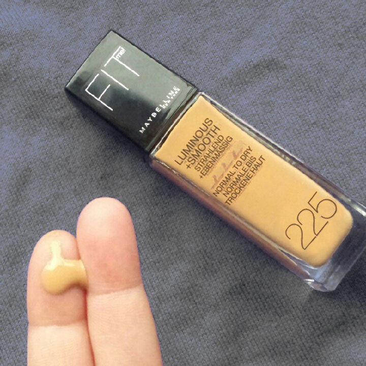 Maybelline Fit Me Foundation Gel Form