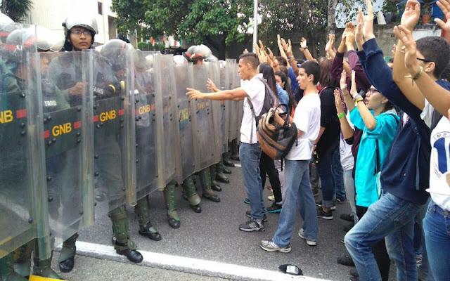 Estudiantes Universitarios anuncian nuevas acciones de calle - Hay que apoyarlos !