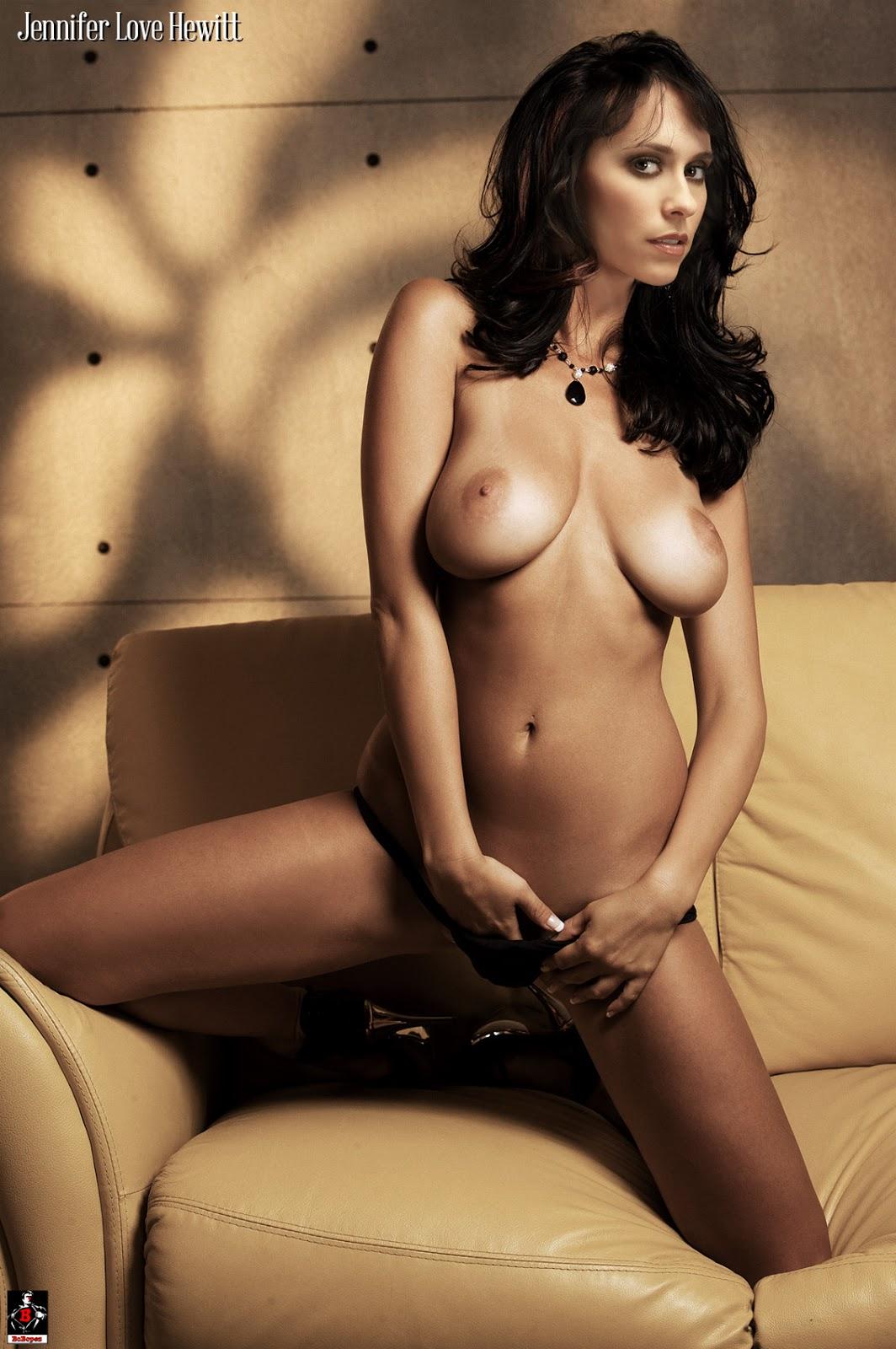 Jennifer love hewitt fake tits