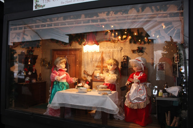 Christmas baking shadowbox in Antioch, Illinois