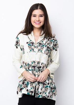 Model Baju Batik Kombinasi Polos tampil elegan