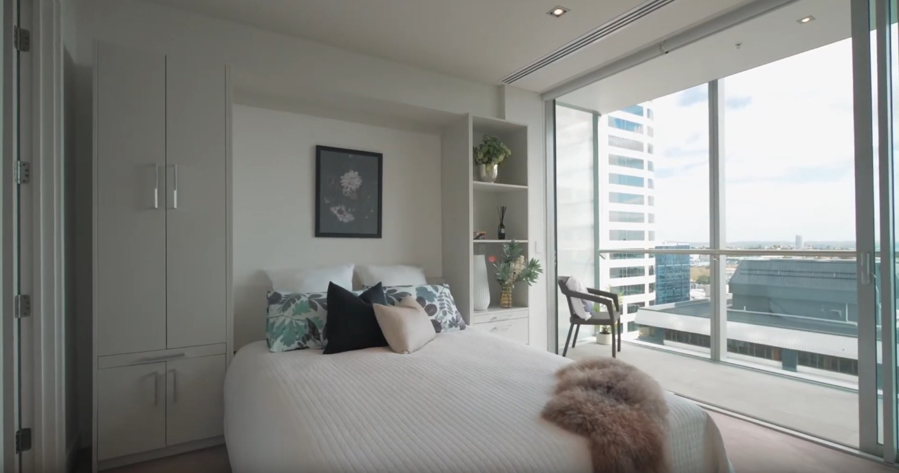 18 Photos vs. 1905/26 Albert St, Auckland, New Zealand Condo Interior Design Tour