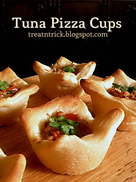 Tuna Pizza Cups Recipe @ http://treatntrick.blogspot.com