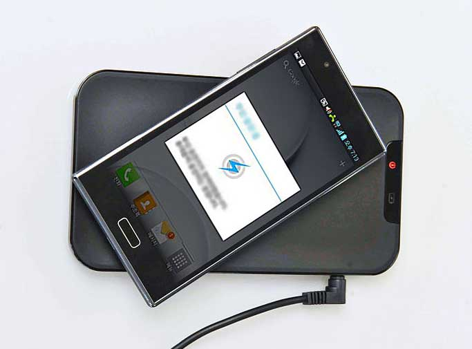 wireless or inductive charging of a smartphone